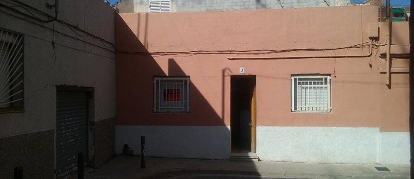 Casa en zona Montigala 147m. Dos plantas ,patio y terraza.