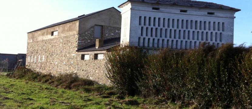 Casa unifamiliar de lujo en remodelación. Con terreno.