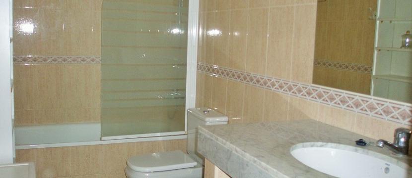 销售位于塔拉戈纳省Torredembarra市中心的单身公寓