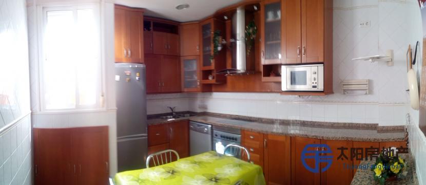 销售位于Puente Genil (科尔多瓦省)市中心的独立房子