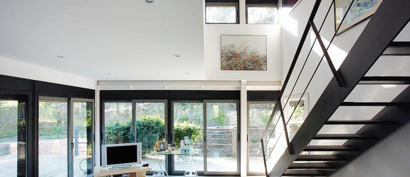 Casa unifamiliar en sitio muy discreto transformable segun necesidades