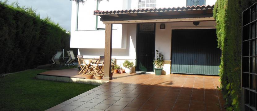 销售位于Algeciras (加的斯省)市外的独立房子