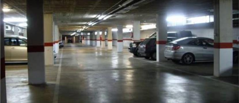 出售位于Hospitalet de Llobregat最好区内的14停车位
