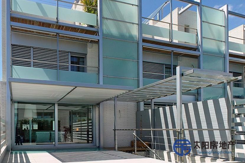 销售位于Premia De Dalt (巴塞罗那省)的独立房子