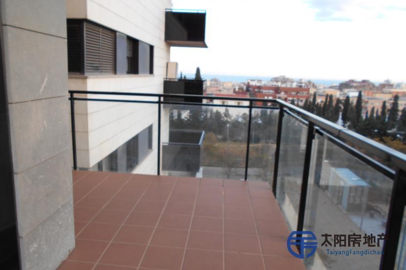 销售位于Badalona (巴塞罗那省)市中心的单身公寓