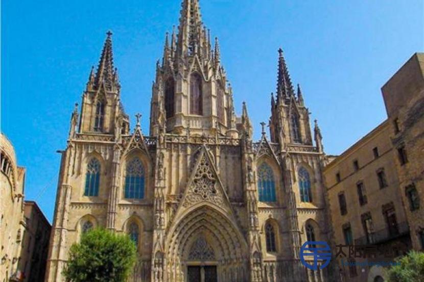 销售位于Barcelona (巴塞罗那省)市中心的复式公寓