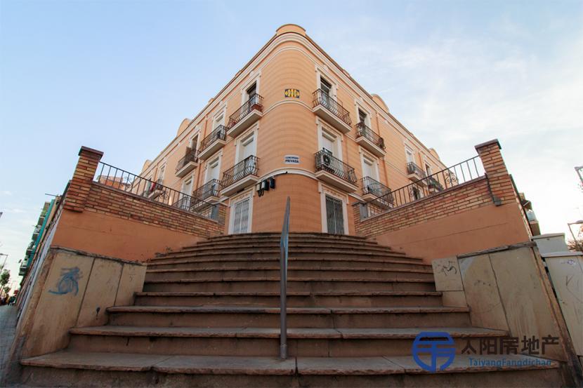 销售位于Badalona (巴塞罗那省)的阁楼
