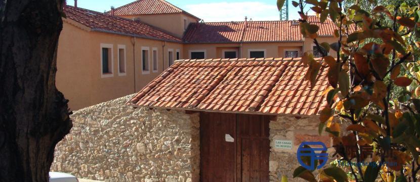销售位于Torrecaballeros (塞戈维亚省)的别墅