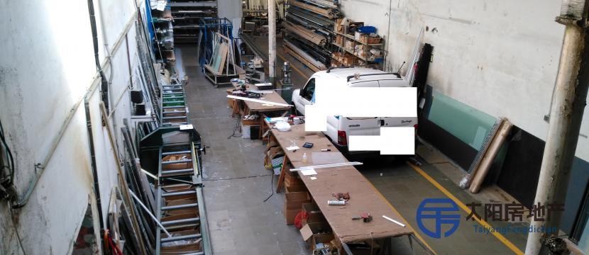 铝合金木工正在营业。 从1995年开的