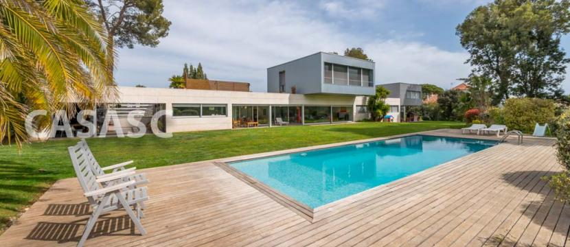销售位于Sant Cugat Del Valles (巴塞罗那省)市外的郊外别墅