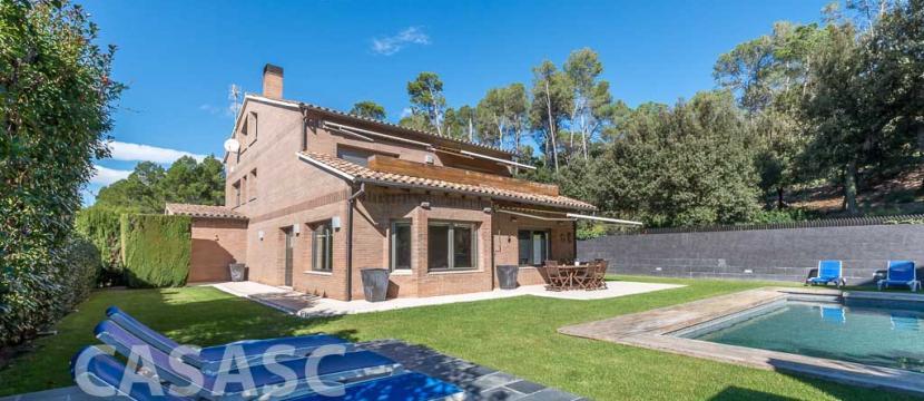 销售位于Sant Cugat Del Valles (巴塞罗那省)的郊外别墅