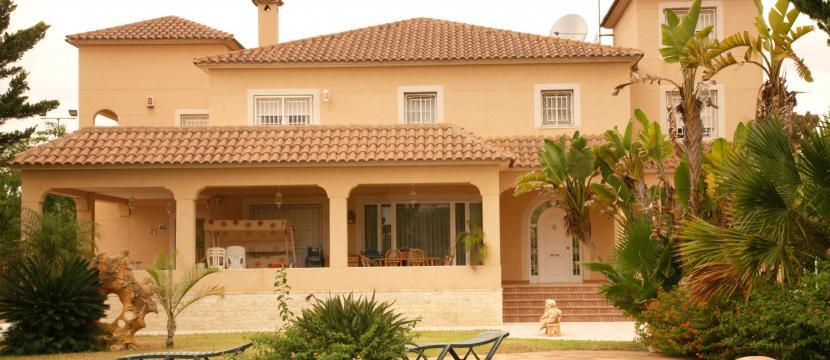 销售位于Torrellano (阿里坎特省)的郊外别墅